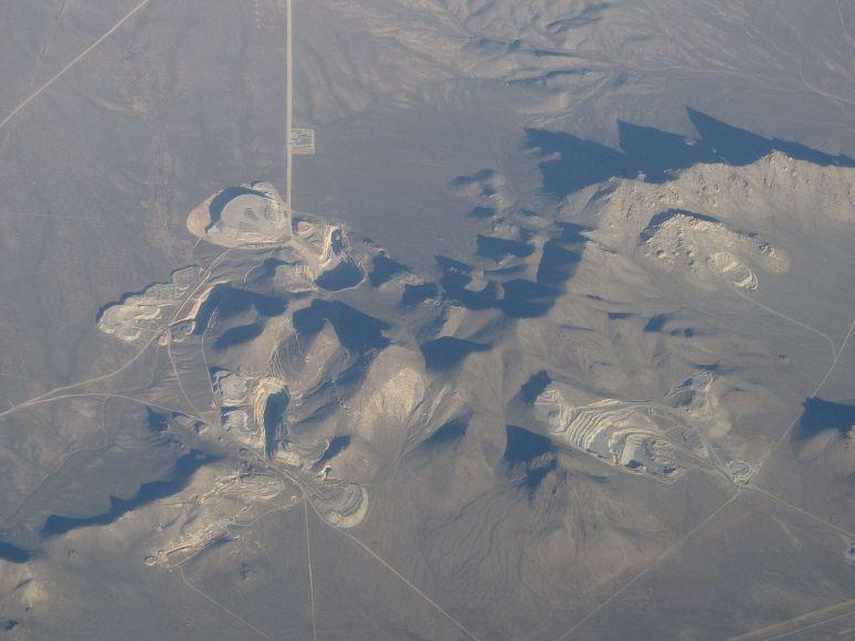 Mining_Operation_Near_Milford,_Utah_(7186832412)